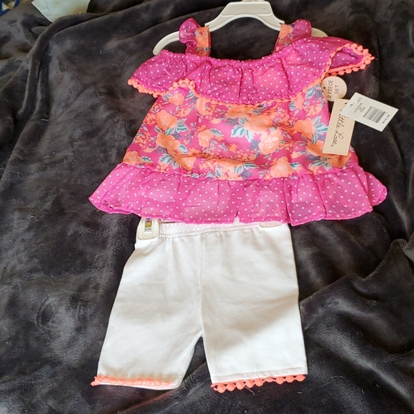 Pink polka dot flower top with white pants set